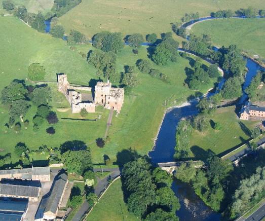 Brougham Castle_814bb4a7