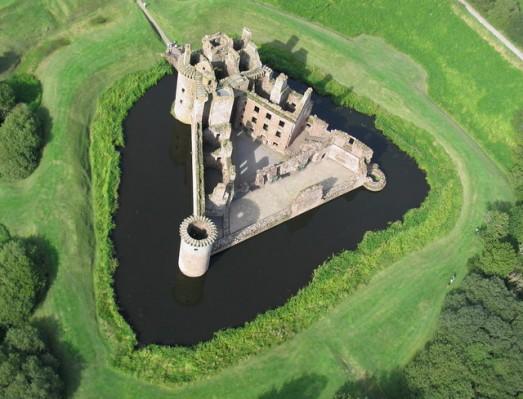 Caerlaverock Castle_3ec41318